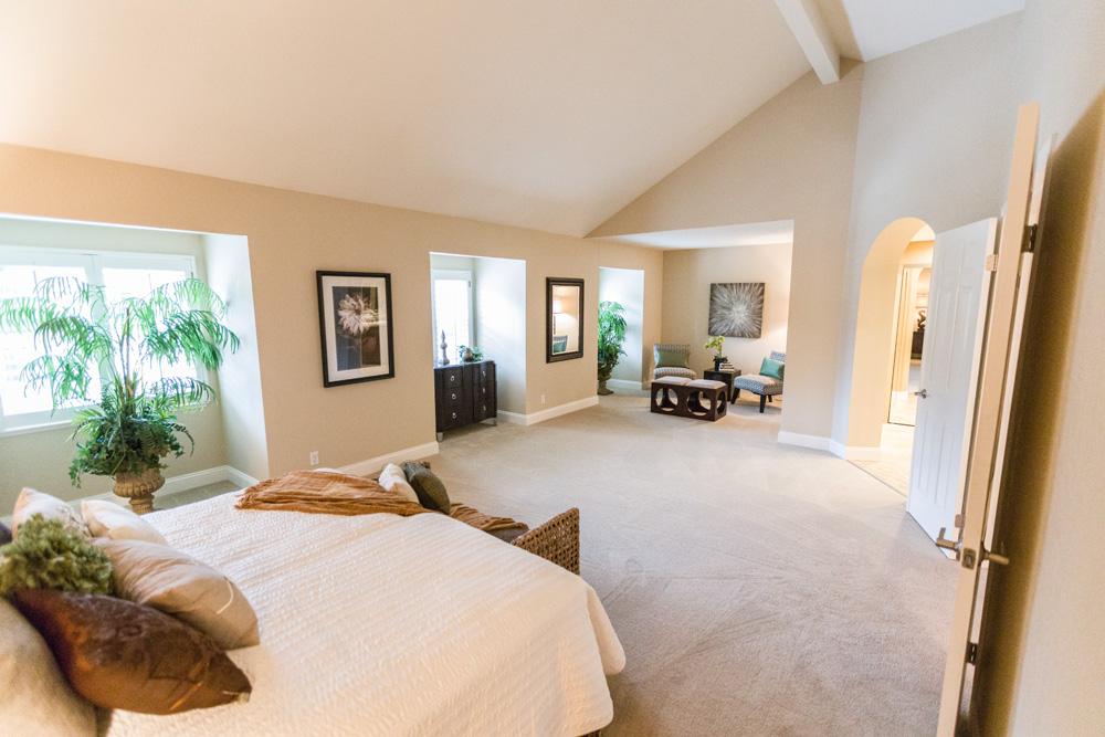 33 Master Bedroom W Sitting Area Clarkson Santoro